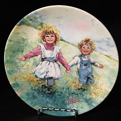 """1982 Wedgwood Collector's plate """"Playtime"""" featuring Two Children at Play"""