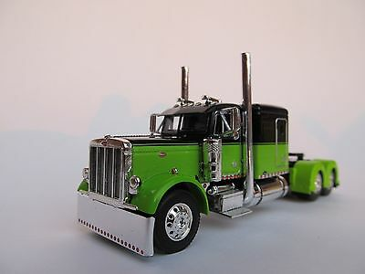 "Dcp 1/64 Scale Peterbilt 379 60"" Bunk Lime Green / Black ( Cab Only )"