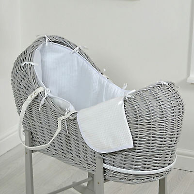 New 4Baby White Waffle Grey Wicker Baby Moses Basket / Snooze Pod & Mattress