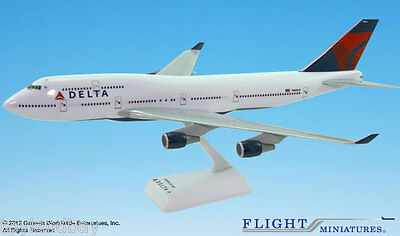 Flight Miniatures Delta Airlines 2007 Boeing 747-400 1:200 Scale New in Box