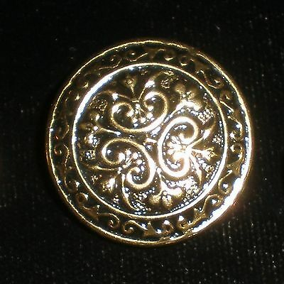 Brass tone Ornate Scroll Shank Buttons Lot of 7 - 3@24mm, 1@19mm, 3@15mm