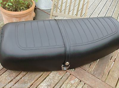 Kawasaki Z650 seat cover complete with strap, buckles extra