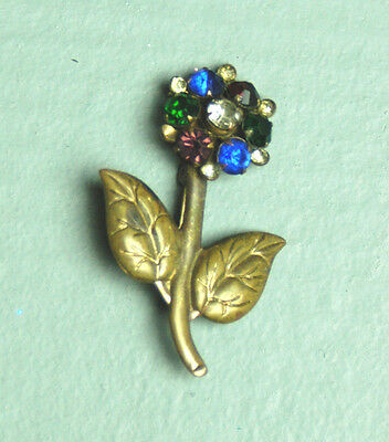 Z90 VTG Floral art deco pressed metal rhinestone flowers gold tone brooch pin