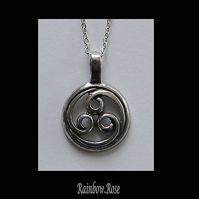 Chain Necklace #139 Pewter CELTIC TRISKELE Spiral Triskelion TRINITY (25x15mm)