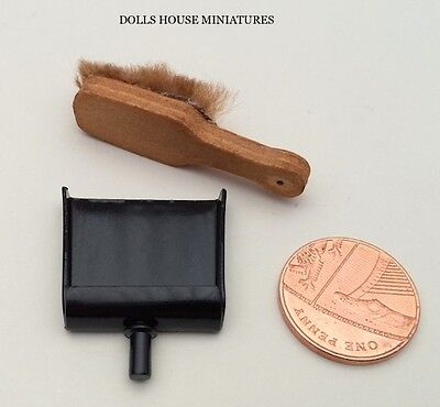 Dustpan & Hand Brush,  Miniature. Dolls House Miniature, Cleaning Equipment