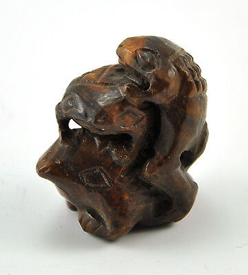 Vintage Natural Boxwood Wood Hand Carved Pendant Bead Figurine Charm Frog family