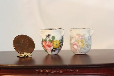 Dollhouse Miniature1:12 Scale Set of 2 Round Floral Vases