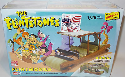 The Flintstones : 1/25 Scale Flintmobile Model Kit Made In 2015 Plus Backdrop