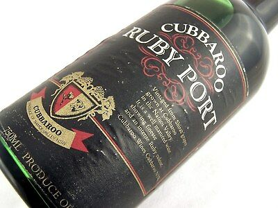 1976 circa CUBBAROO Ruby Port Isle of Wine