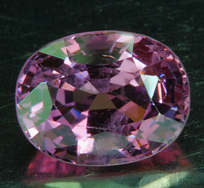 SPINELL         klasse  Farbe       2,52 ct
