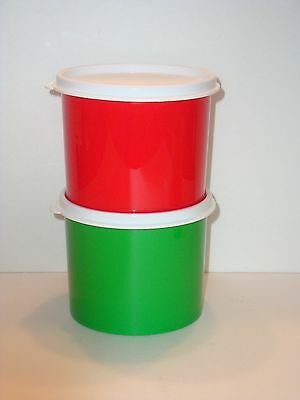 Tupperware Christmas Gift Canisters Set of 2 w/ Seals 2-cup Red Green New