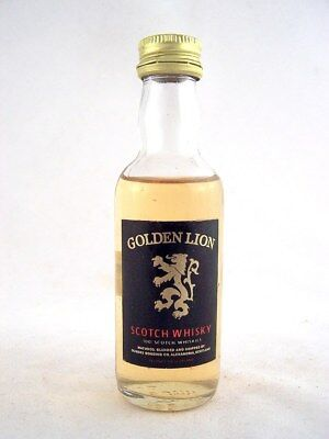 Miniature @ 1978 GOLDEN LION Scotch Whisky Isle of Wine