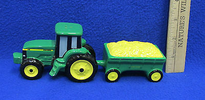 Pair John Deere Salt & Pepper Shakers Tractor & Corn Wagon Green Yellow 1998