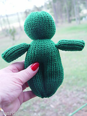 POPPET DOLL - VOODOO DOLL DARK GREEN Spell Wicca Hoodoo Pagan Witch Goth MONEY