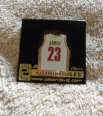 NBA : LeBron James Cleveland Cavaliers Jersey Pin - New