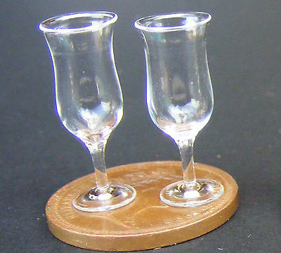 1:12 Scale 2 Glasses With Yellow Stem /& Base Tumdee Dolls House Miniature GLA46y