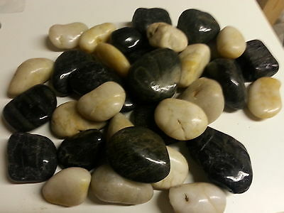 5kg Black and Off White Polished River Pebbles 25-45mm Garden Water Features