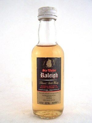 Miniature circa 1980 SIR WALTER RALEIGH Scotch Whisky Isle of Wine