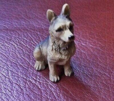 Dog 16, Dolls House Miniature, 1.12th Scale, Pets & Animals