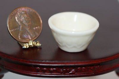 "Dollhouse Miniature Ceramic Cream Glazed ""Vintage Look"" Mixing Bowl"