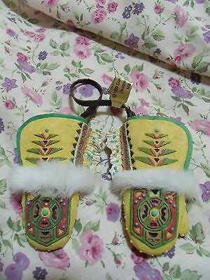 Friends Of The Feather Mittens Yellow