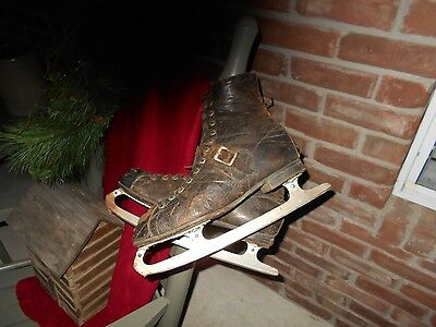 Men's Black Vintage Ice Skates