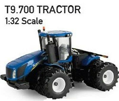 NEW HOLLAND T9.700 TRACTOR REPLICA DEACAST SCALE 1:32 Part# ERT13857