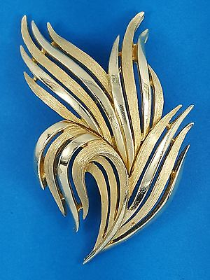 VINTAGE 60's CROWN TRIFARI ALFRED PHILIPPE GOLD ABSTRACT LEAF PIN BROOCH ~ 2.5""