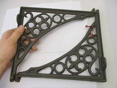 Antique Cast Iron Shelf Brackets Cistern Holder Architectural Fleur dy lis Old