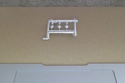 3 x 1/50 scale truck plated plastic spotlights on sprue great for modellers