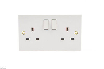 White Double Wall Socket 2 Gang / Square Edge Electric Wall Twin Plug Switched