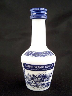 Miniature circa 1982 DE KUYPER NASSAU ORANGE LIQUEUR Isle of Wine