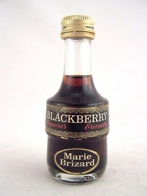 Miniature circa 1975 MARIE BRIZARD BLACKBERRY Liqueur Isle of Wine