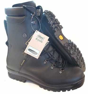 British Army Extreme Cold Weather Black Goretex Boots - Various Sizes - New