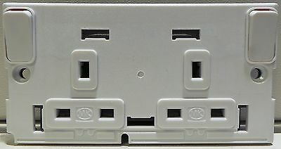 MK 13 Amp 2Gang DP SWITCHSOCKET WITH OUTBOARD ROCKERS, MPN: 41823SLUP, BOX OF 60