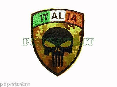 Punisher Punitore con Bandiera Italia Patch SoftAir Toppa Scudetto Militare
