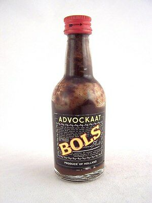 Miniature circa 1972 BOLS ADVOCKAAT Isle of Wine