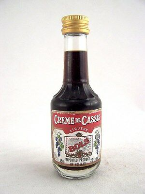 Miniature circa 1985 BOLS CRME DE CASSIS 35ml Isle of Wine