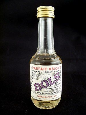Miniature circa 1971 BOLS PARFAIT AMOUR 1.2 Fl oz Isle of Wine