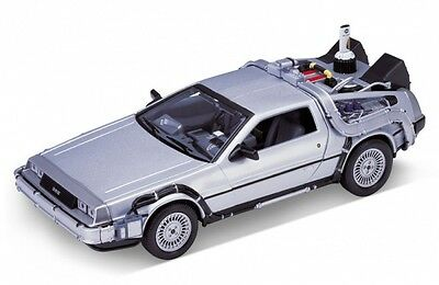 Welly Back To The Future 2 Delorean Time Machine 1/24 Scale Die-Cast Model Car