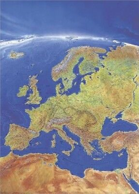 Poster Panoramic Map Europa Portrait 97x137cm #010112