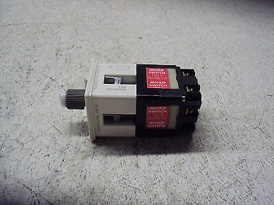 Honeywell 911Agb011Bb Micro Switch  1120V  New