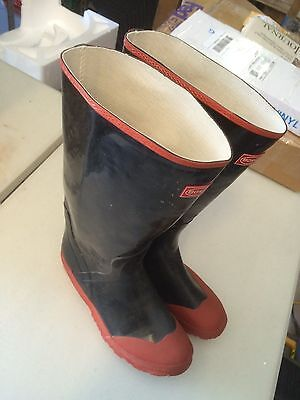 Rubber Knee Boot,BOSS Size 10, Black & Red