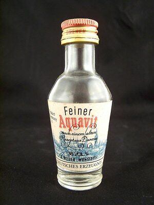 Miniature circa 1979  VETTER'S FEINER AQUAVIT Isle of Wine