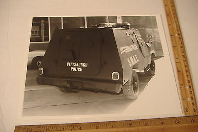 ~Pittsburgh Police~S.w.a.t.~Vintage 8 X 10 Black & White Photo~