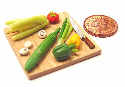 1:12 Scale Dolls House Miniature Salad Chopping Board Set Kitchen Accessory
