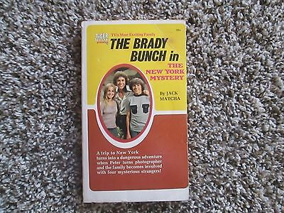 BRADY BUNCH in New York Mystery 1972 paperback by Tiger Beat Maureen McCormick