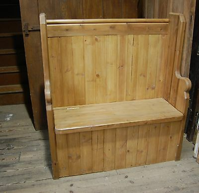A FANTASTIC LARGE PINE CHURCH STYLE BOX PEW ref 398