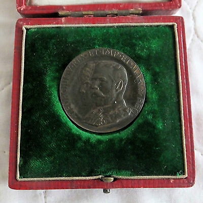 1911 CORONATION OF KING GEORGE V AND QUEEN MARY 35mm BOXED MEDAL - by a toft