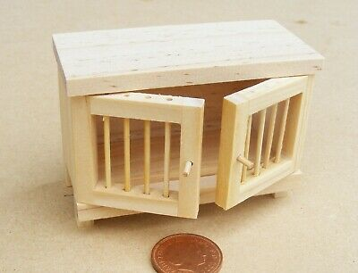 1:12th Natural Finish Wooden Hutch Dolls House Miniature Garden Pet Accessory